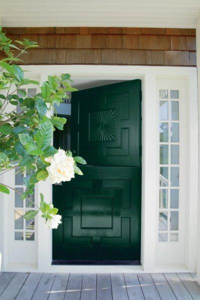Darkgreen dutchstyledoor with whitetrim hunter coatings benjamin moore charlotte nc - Hunter green exterior paint paint ...